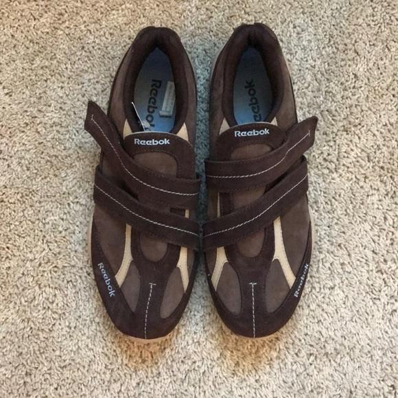 NWT Reebok Velcro Hiking Walking shoes Size 8.5 be4e8e5ce